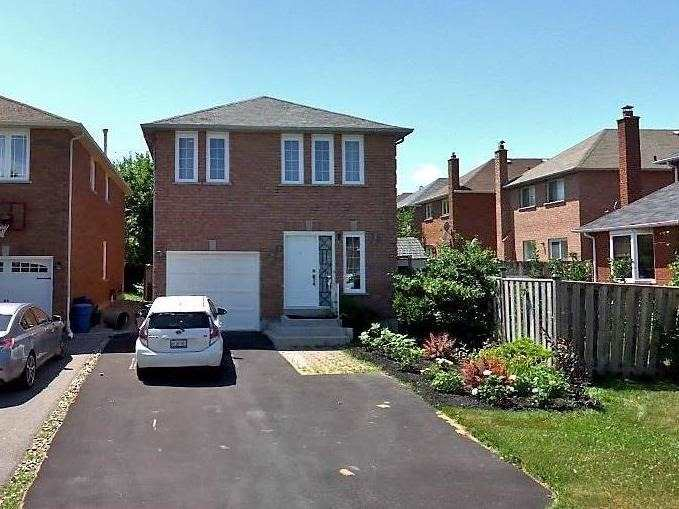 pictures of 17 Newmill Cres, Richmond Hill L4C9T6
