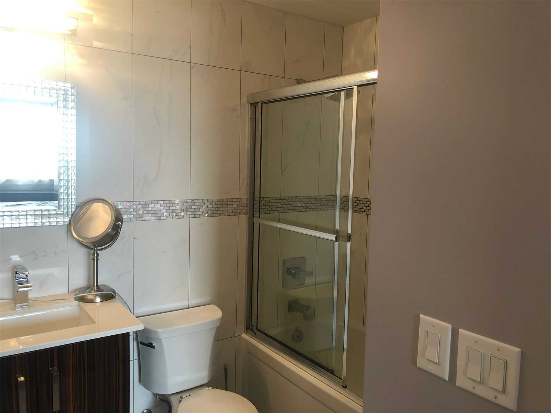 Image 8 of 8 showing inside of 1 Bedroom Condo Apt Apartment for Sale at 9245 Jane St Unit# 1414, Vaughan L6A1H7