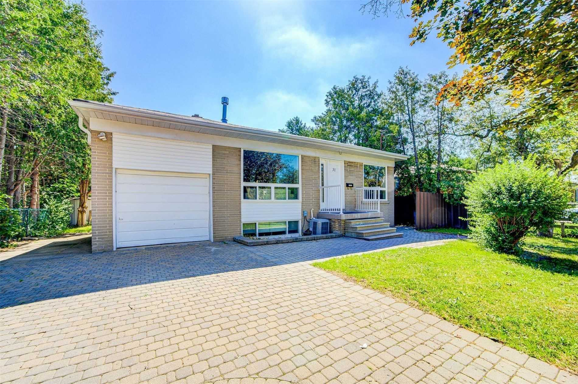 pictures of 31 Maralim Rd, Richmond Hill L4C2K6