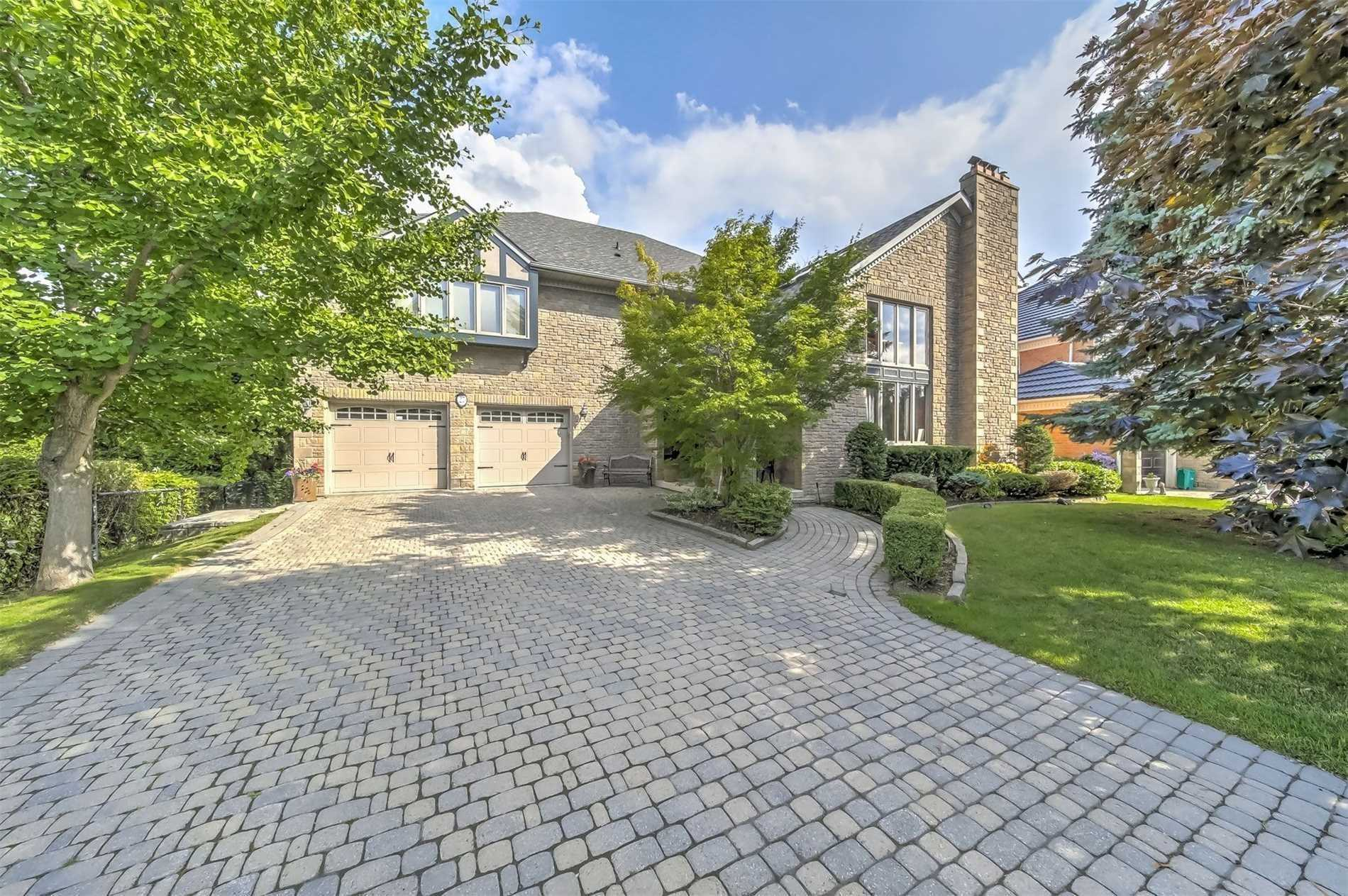 pictures of 27 Glenayr Rd, Richmond Hill L4B2W4