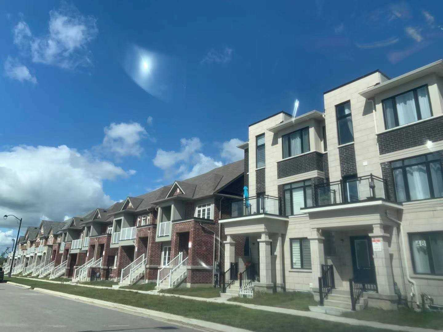 pictures of 50 Mcalister Ave, Richmond Hill L4S2T9