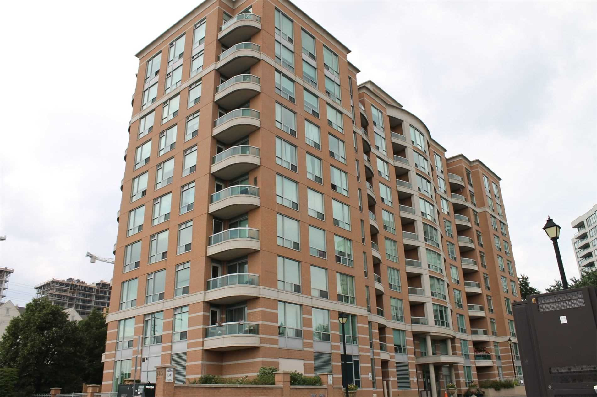 pictures of 745 New Westminster Dr, Vaughan L4J8J9