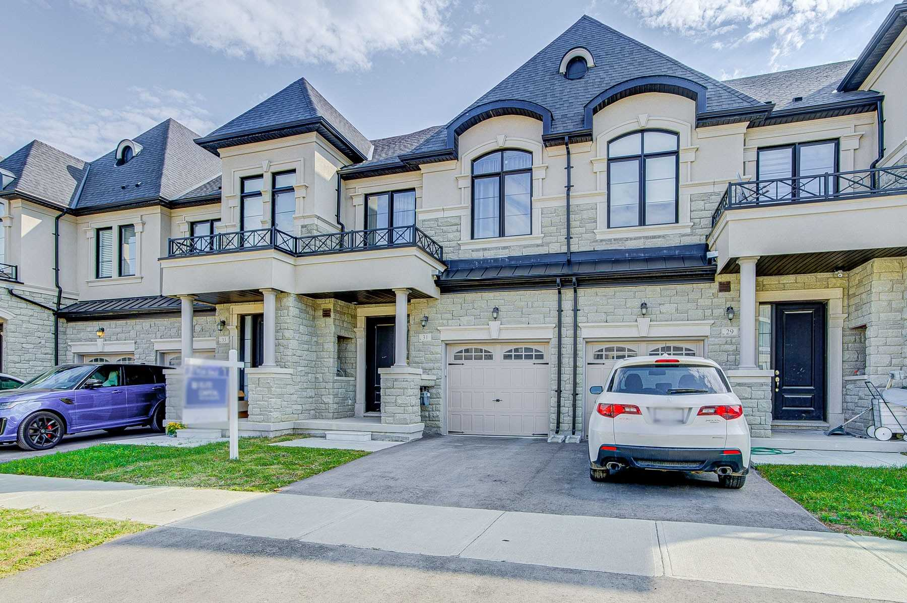 pictures of 31 Mallery St, Richmond Hill L4S0H7