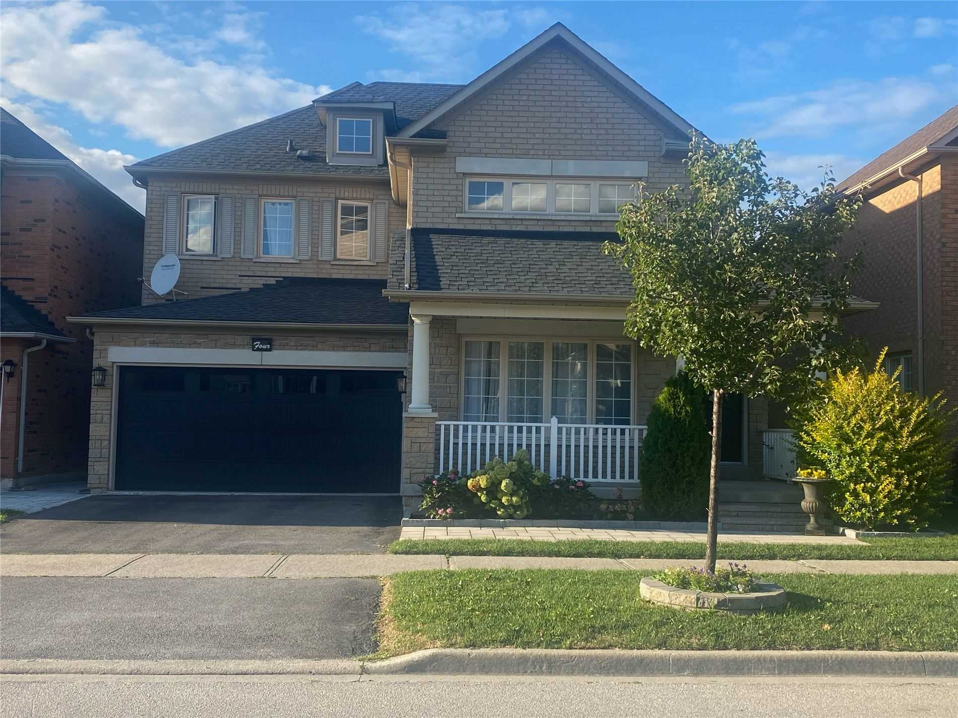 pictures of 4 Iron Horse Ave, Richmond Hill L4B4G6