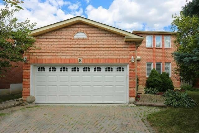 pictures of 8 Viewmark Dr, Richmond Hill L4S1C9