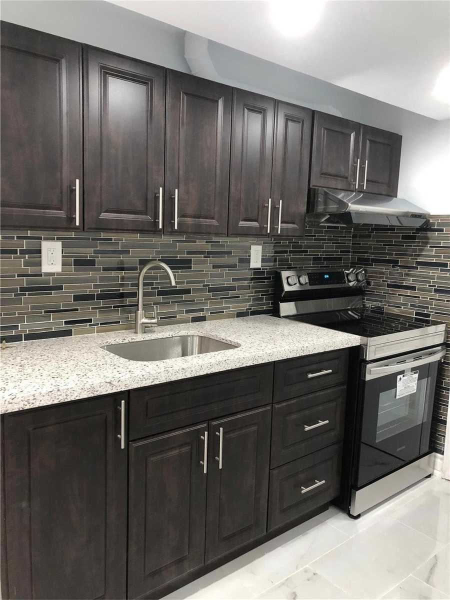 pictures of 66 Guinevere  Rd, Markham L3S4S9