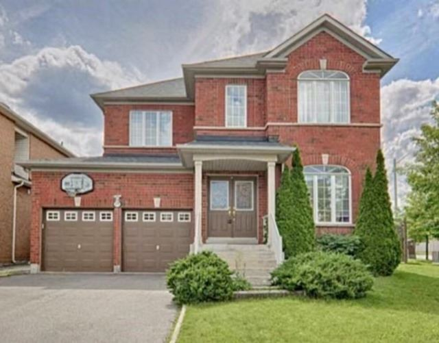 pictures of 69 Holly Dr, Richmond Hill L4S2S4