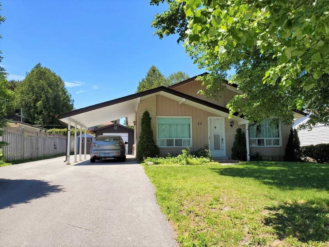 pictures of 22 Knowles Cres, Aurora L4G1Z7