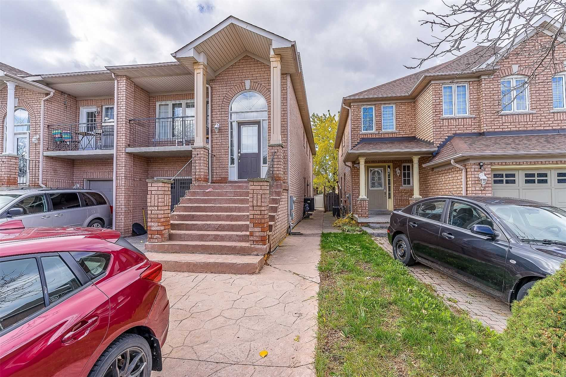 pictures of 54 Belwood Blvd, Vaughan L4K5H5
