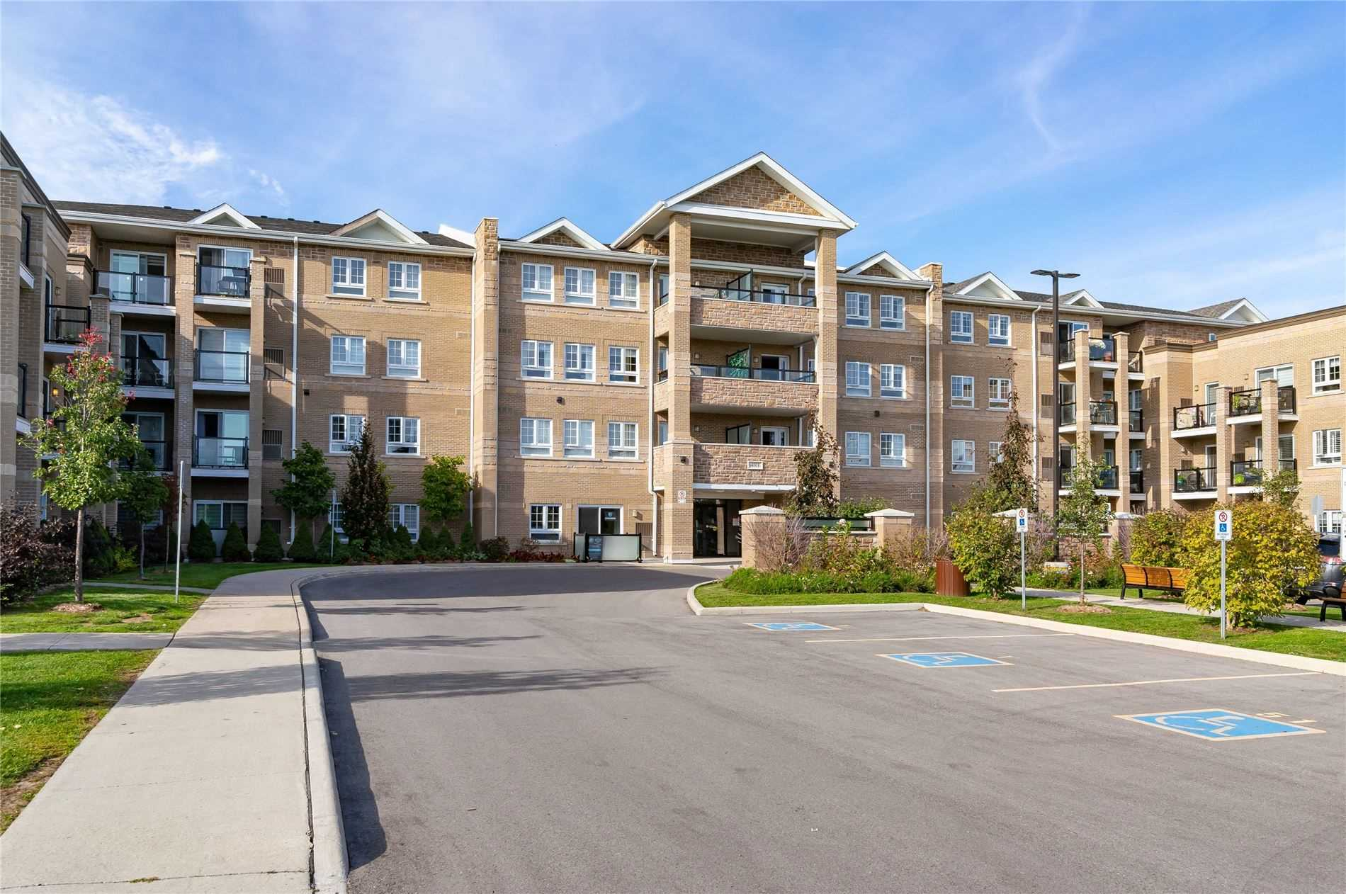 pictures of 481 Rupert Ave, Whitchurch-Stouffville L4A1Y7