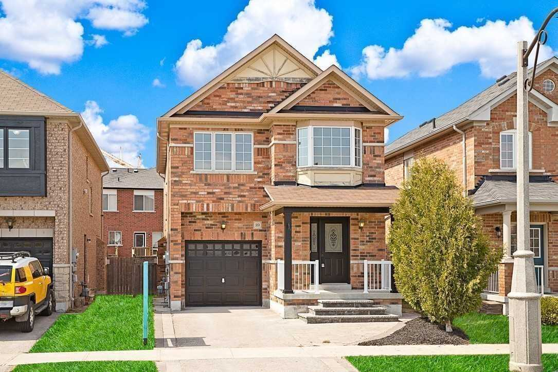 pictures of 89 Delbert Circ, Whitchurch-Stouffville L4A0T4