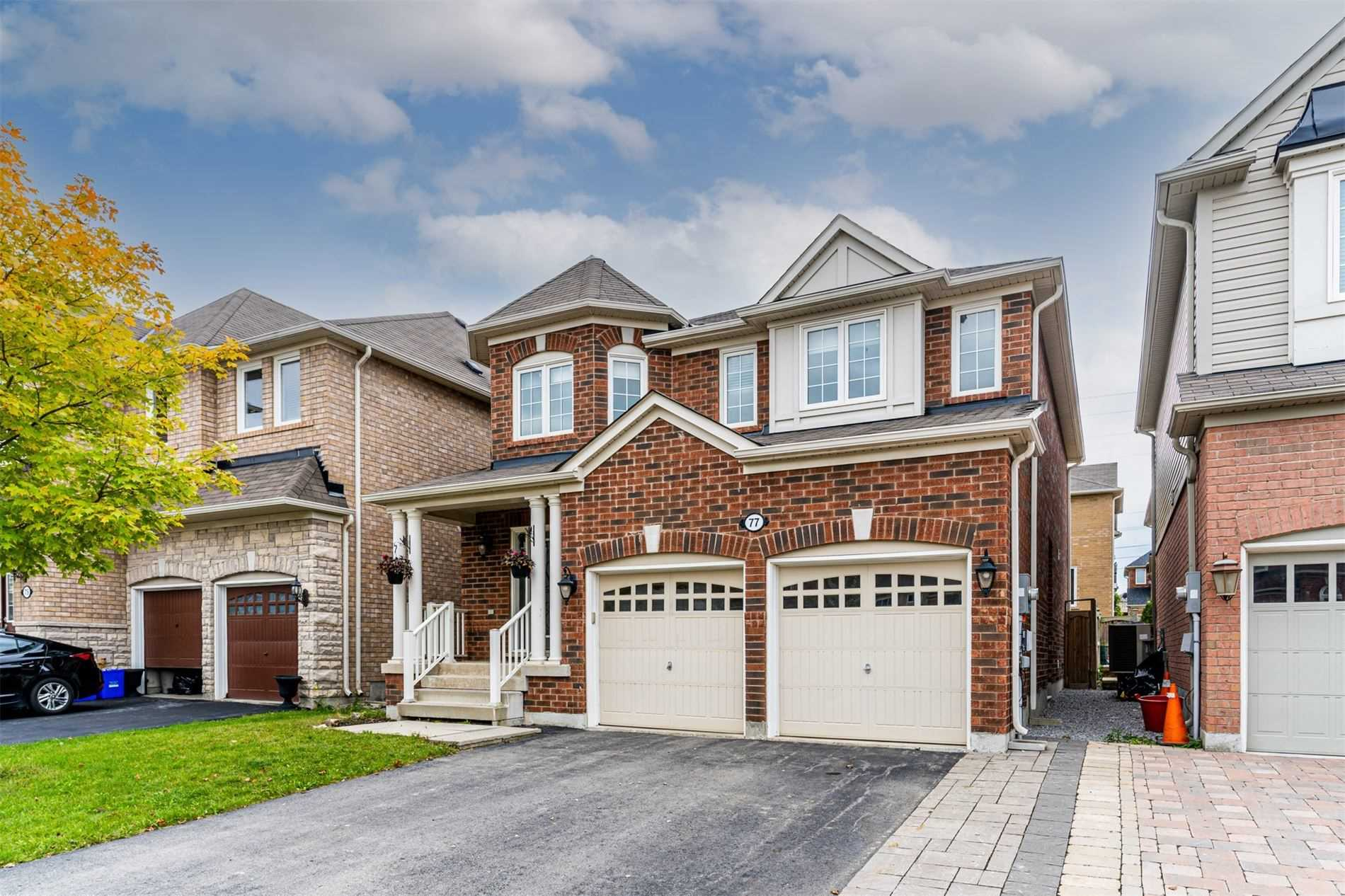 pictures of 77 Ross Patrick Cres, Newmarket L3X3K3