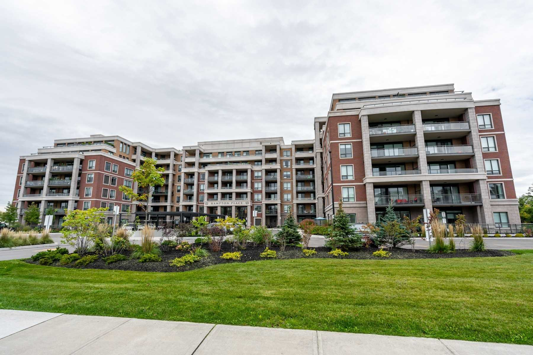 pictures of 25 Baker Hill Blvd, Whitchurch-Stouffville L4A1P8
