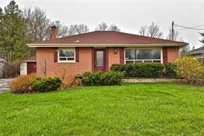 pictures of house for sale MLS: O4436980 located at 118 Heslop Rd, Milton L9T 1B4