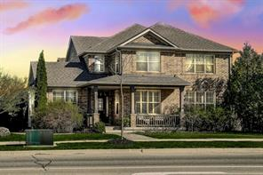 pictures of house for sale MLS: O4445319 located at 2956 Westoak Trails Blvd, Oakville L6M 4S6