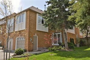 pictures of house for sale MLS: O4454998 located at 1162 Leewood Dr, Oakville L6M 3B9