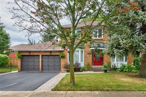 pictures of house for sale MLS: O4542297 located at 2039 Grenville Dr, Oakville L6H3Z3