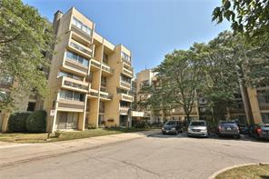 pictures of 1300 Marlborough Crt, Oakville L6H2S2