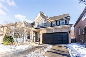 pictures of house for sale MLS: O4698861 located at 1465 Thorncrest Cres, Oakville L6M3Y9