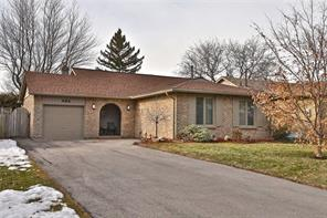 pictures of house for sale MLS: O4704899 located at 484 Vanguard Cres, Oakville L6L5G7