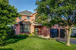 pictures of house for sale MLS: O4710587 located at 1427 Prince John Circ, Oakville L6J6S3