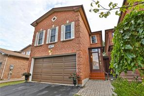 pictures of house for sale MLS: O4722855 located at 1977 Glenada Cres, Oakville L6H4M7