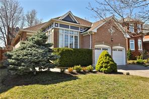 pictures of house for sale MLS: O4736093 located at 1352 Summerhill Cres, Oakville L6H6E3