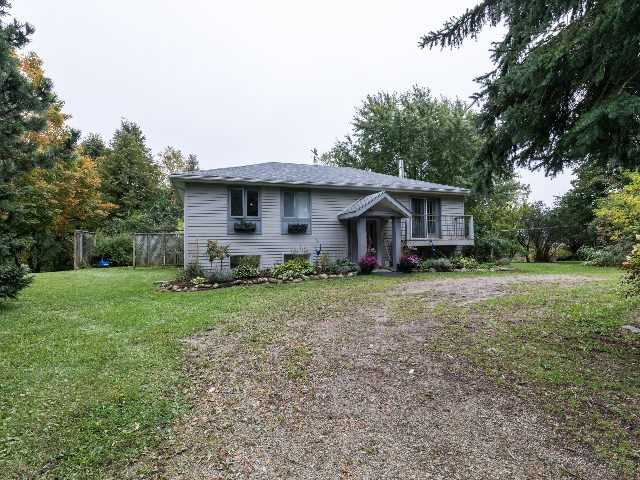pictures of 3877 Lavendar Hill Rd, Clearview L0M 1G0