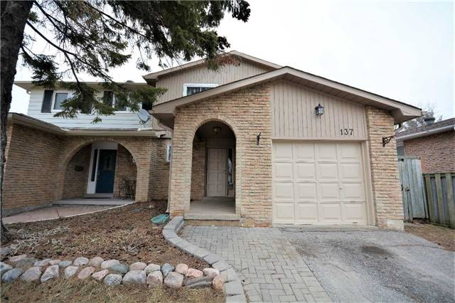 pictures of 137 Kozlov St, Barrie L4N 4R1
