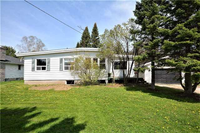 pictures of 2324 11 Highway South, Oro-Medonte L0L 2L0