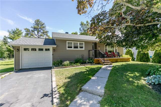 pictures of 212 Pine St, Clearview L0M 1S0