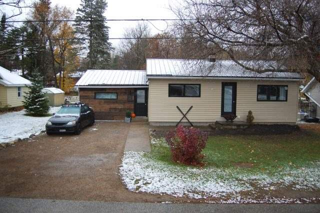pictures of 210 Brock St, Clearview L0M1S0