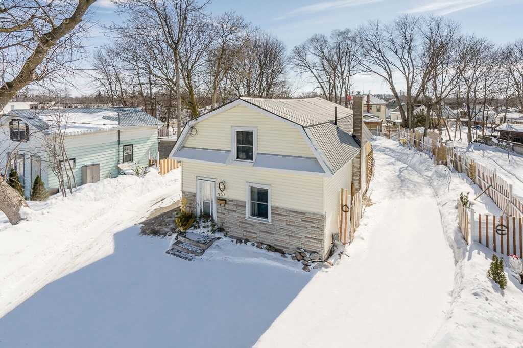 pictures of 251 Atherley Rd, Orillia L3V 1N7