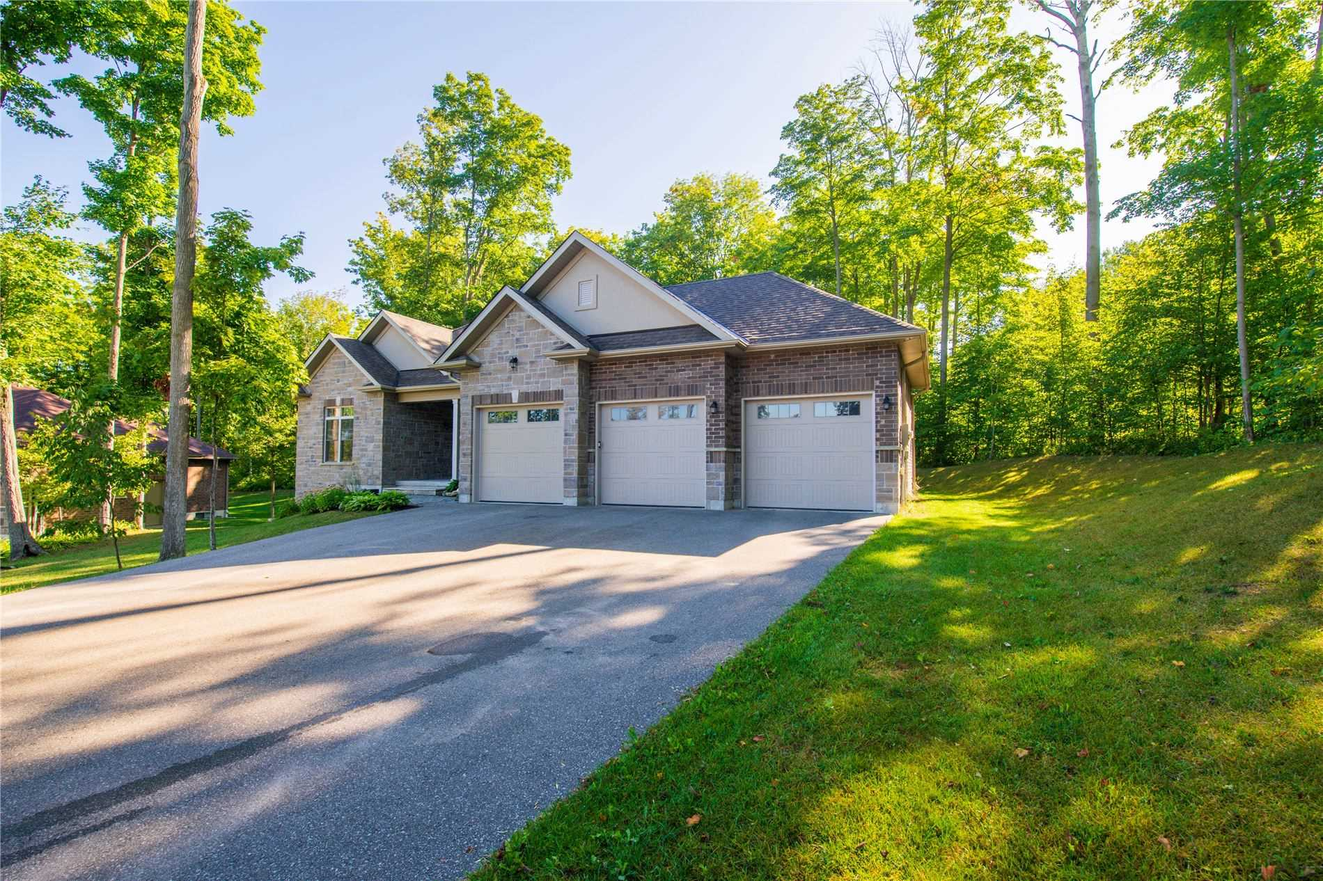 pictures of house for sale MLS: S4566949 located at 68 Heron Blvd, Springwater L9X0J1