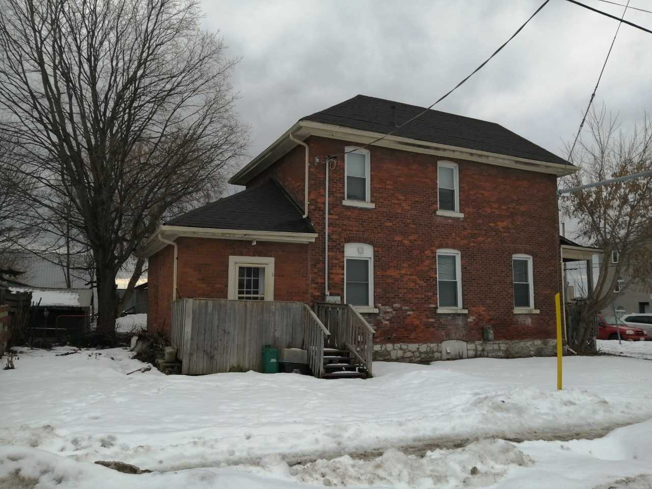 pictures of house for sale MLS: S4601456 located at 86 Peter St S, Orillia L3V5B4