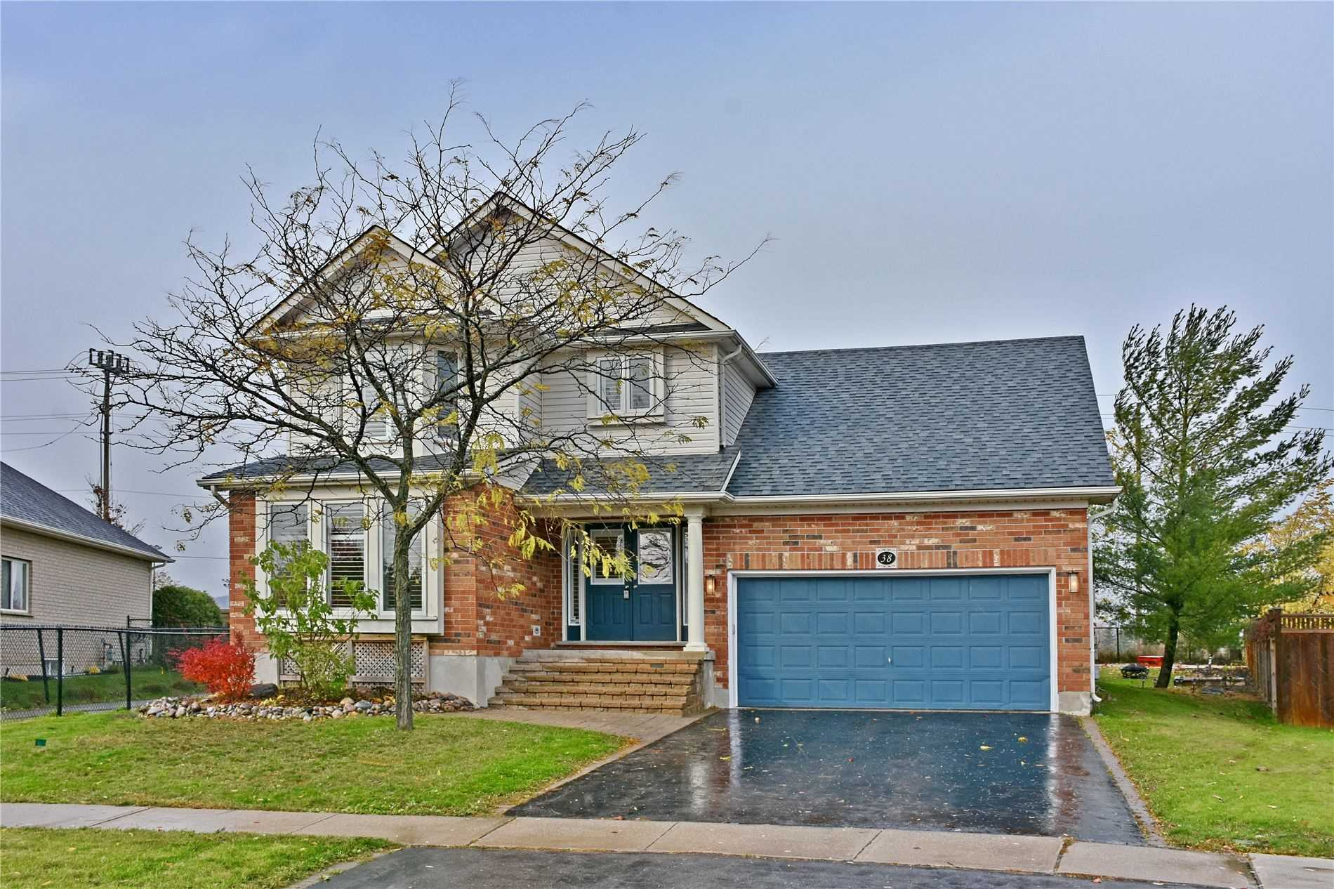 pictures of house for sale MLS: S4628874 located at 38 Marina Cres, Collingwood L9Y5H1