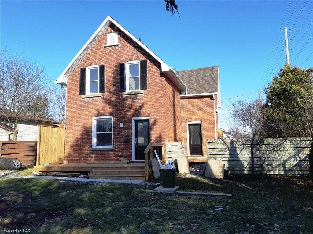 pictures of house for sale MLS: S4652043 located at 340 Moffat St, Orillia L3V4G1