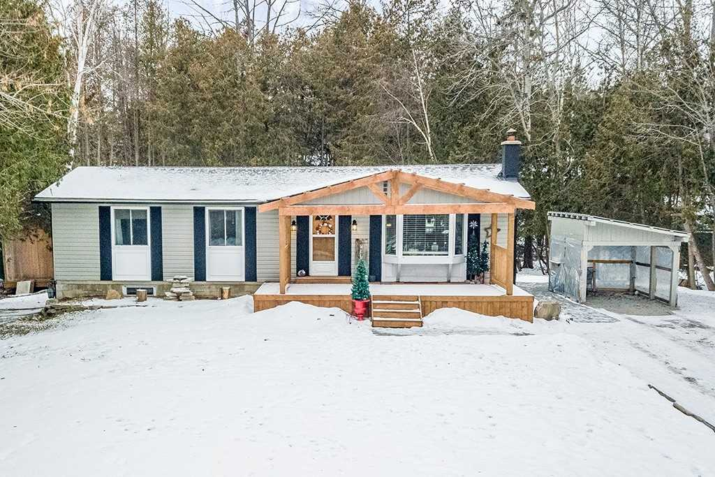 pictures of house for sale MLS: S4653149 located at 12 Greengables Dr, Oro-Medonte L0L1T0