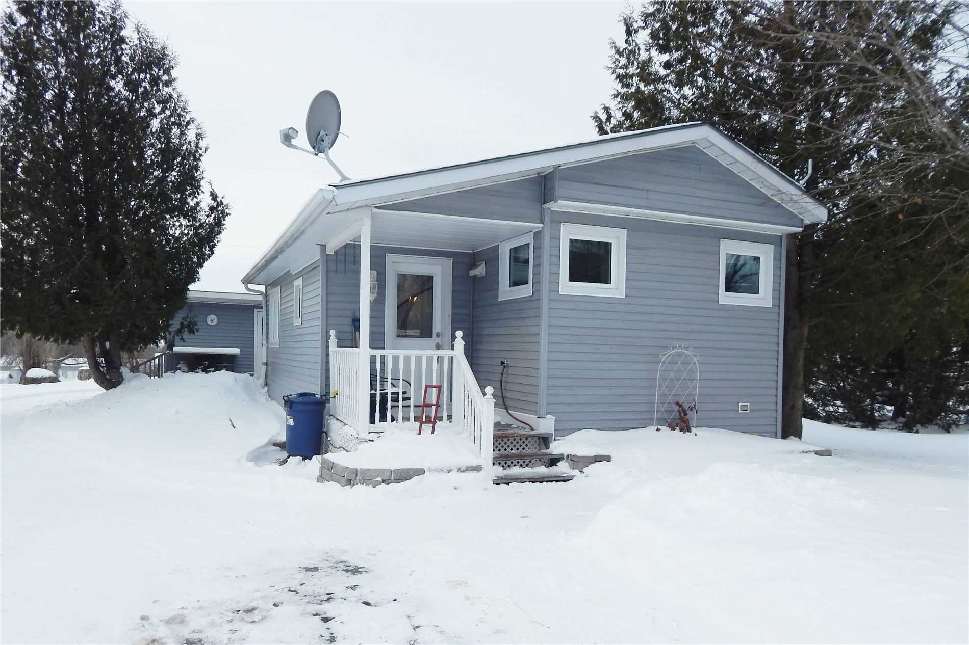 pictures of house for sale MLS: S4678080 located at 12 Balantrae Dr, Oro-Medonte L3V0P9