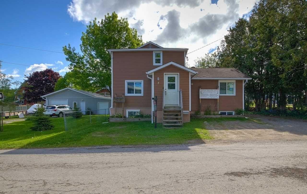 pictures of house for sale MLS: S4678646 located at 7 Levi Simon Tr, Penetanguishene L9M1A4