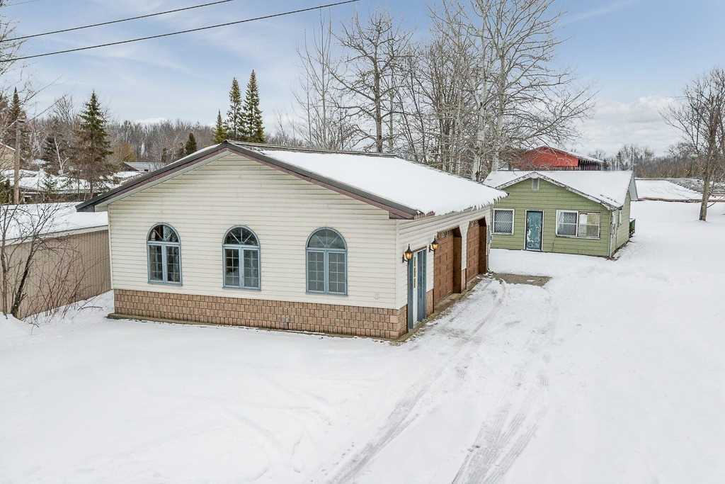 pictures of house for sale MLS: S4679276 located at 4089 Glen Cedar Dr, Ramara L3V0S2