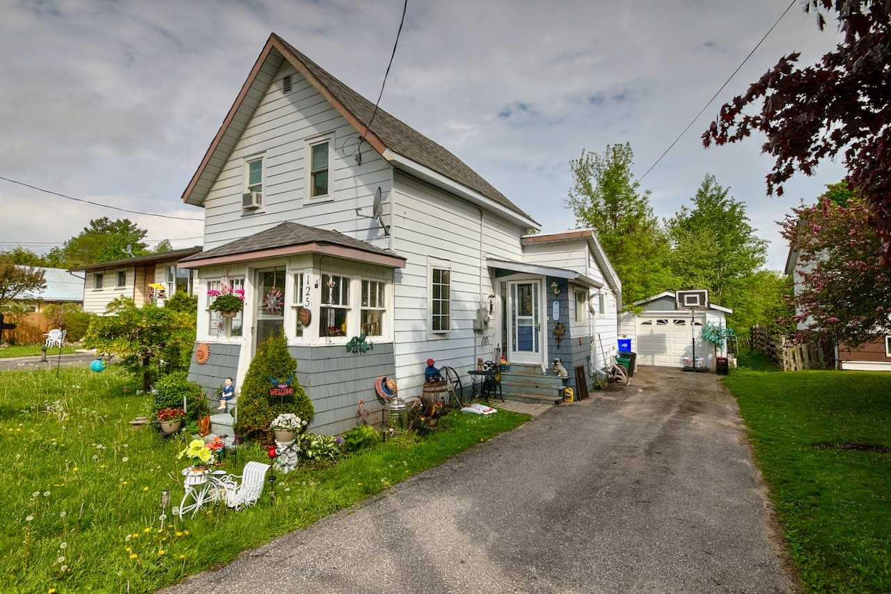 pictures of house for sale MLS: S4686950 located at 125 Poyntz St, Penetanguishene L9M1P4
