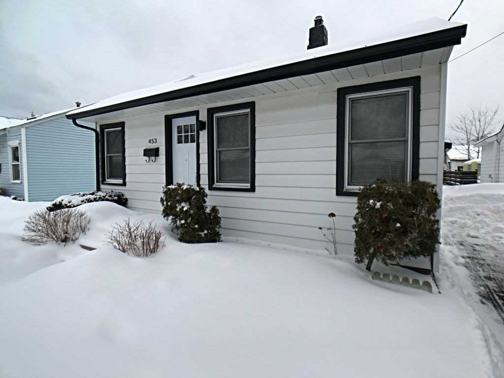 pictures of house for sale MLS: S4689479 located at 453 Maple St, Collingwood L9Y2S1