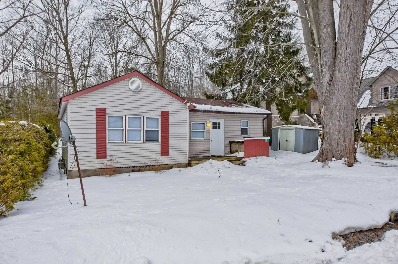 pictures of house for sale MLS: S4691648 located at 22 Park View Ave, Oro-Medonte L0L2E0