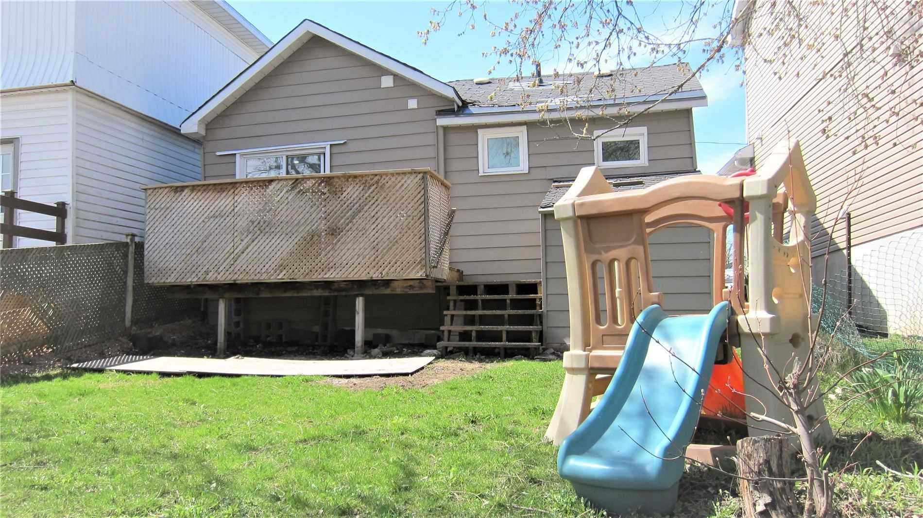 pictures of house for sale MLS: S4694779 located at 197 Barrie Rd, Orillia L3V2P6