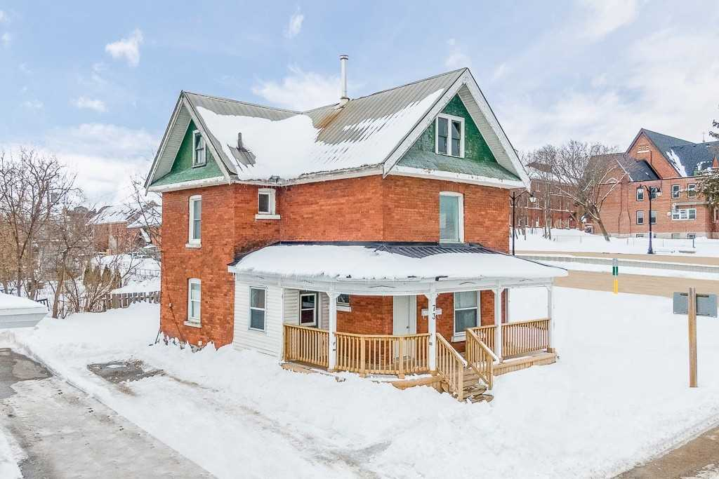 pictures of house for sale MLS: S4695054 located at 73 Coldwater St E, Orillia L3V1W6