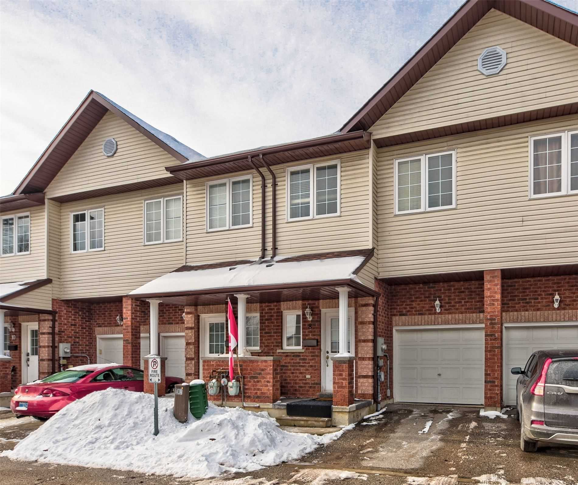 pictures of house for sale MLS: S4696069 located at 488 Yonge St, Barrie L4N4E2
