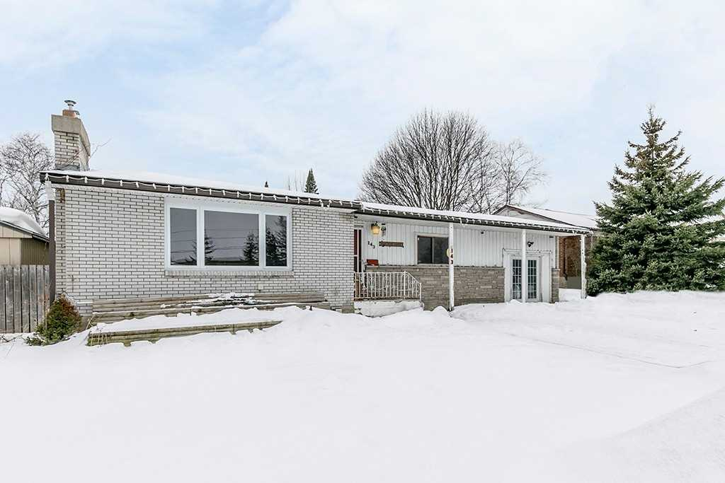 pictures of house for sale MLS: S4696478 located at 143 Westmount Dr N, Orillia L3V6C7