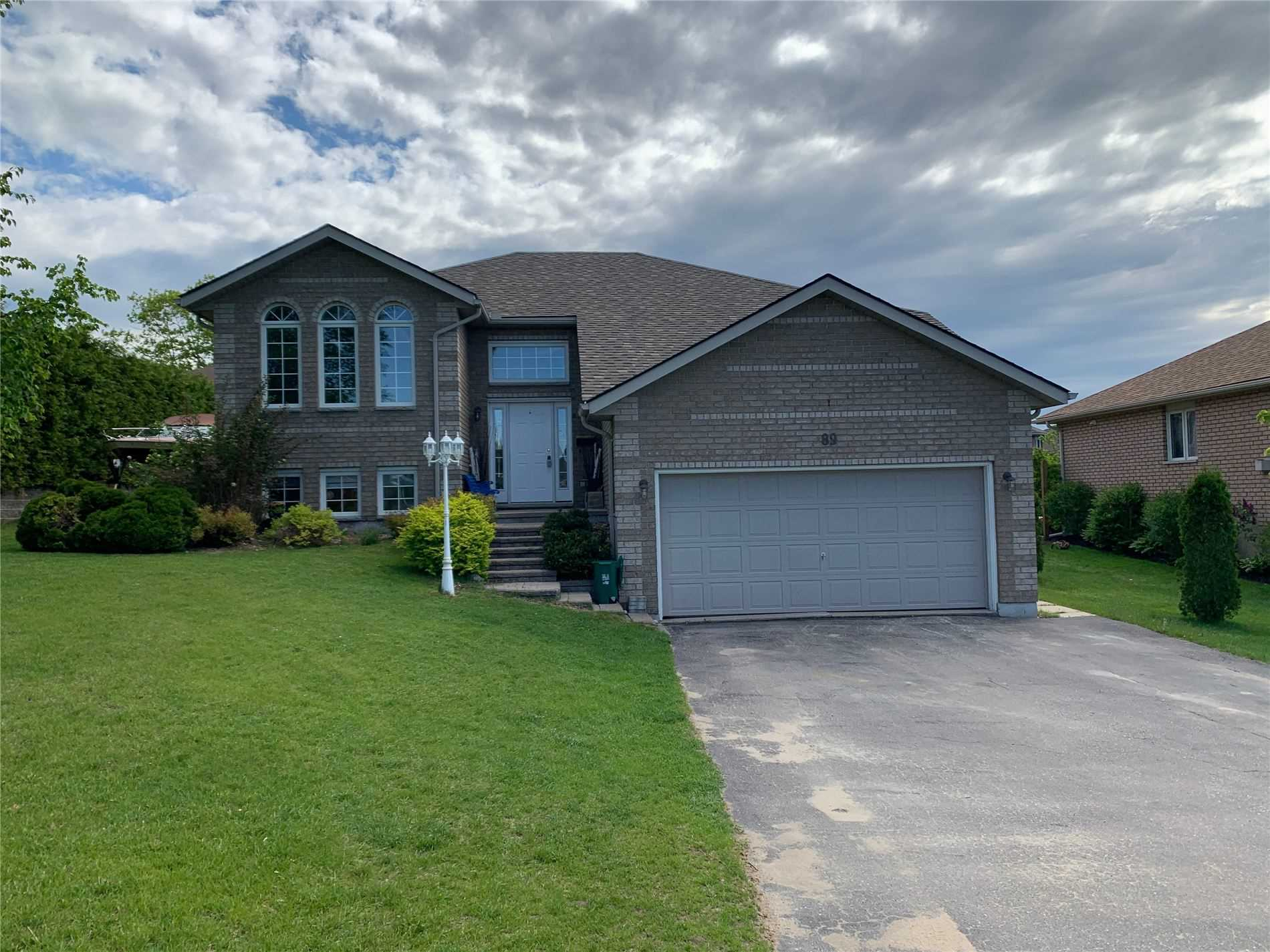 pictures of house for sale MLS: S4696953 located at 89 Maria St, Penetanguishene L9M2J1