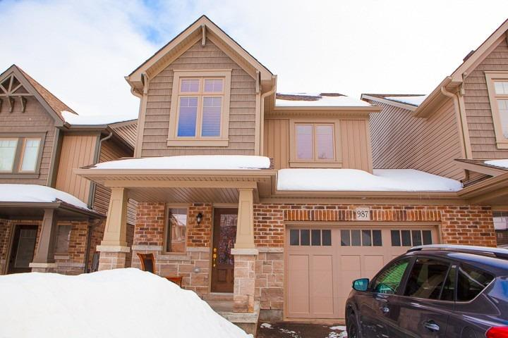 pictures of house for sale MLS: S4699113 located at 987 Cook Dr, Midland L4R0E4